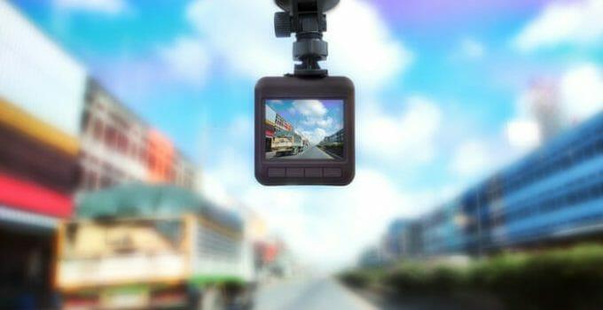 กล้องติดรถยนต์ยี่ห้อไหนดีในปี 2020?