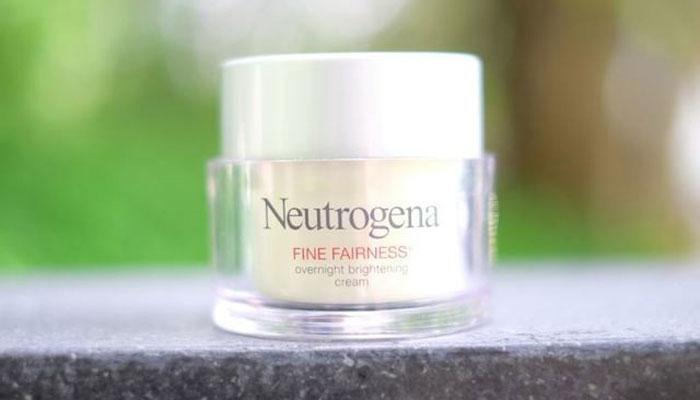 Neutrogena นูโทรจีนา Fine Fairness Overnight Brightening Cream
